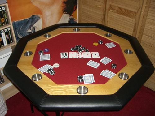 2007_09_07_pokertisch.jpg